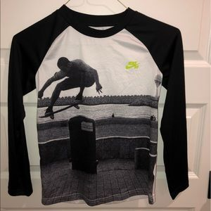 Nike SB long sleeve shirt